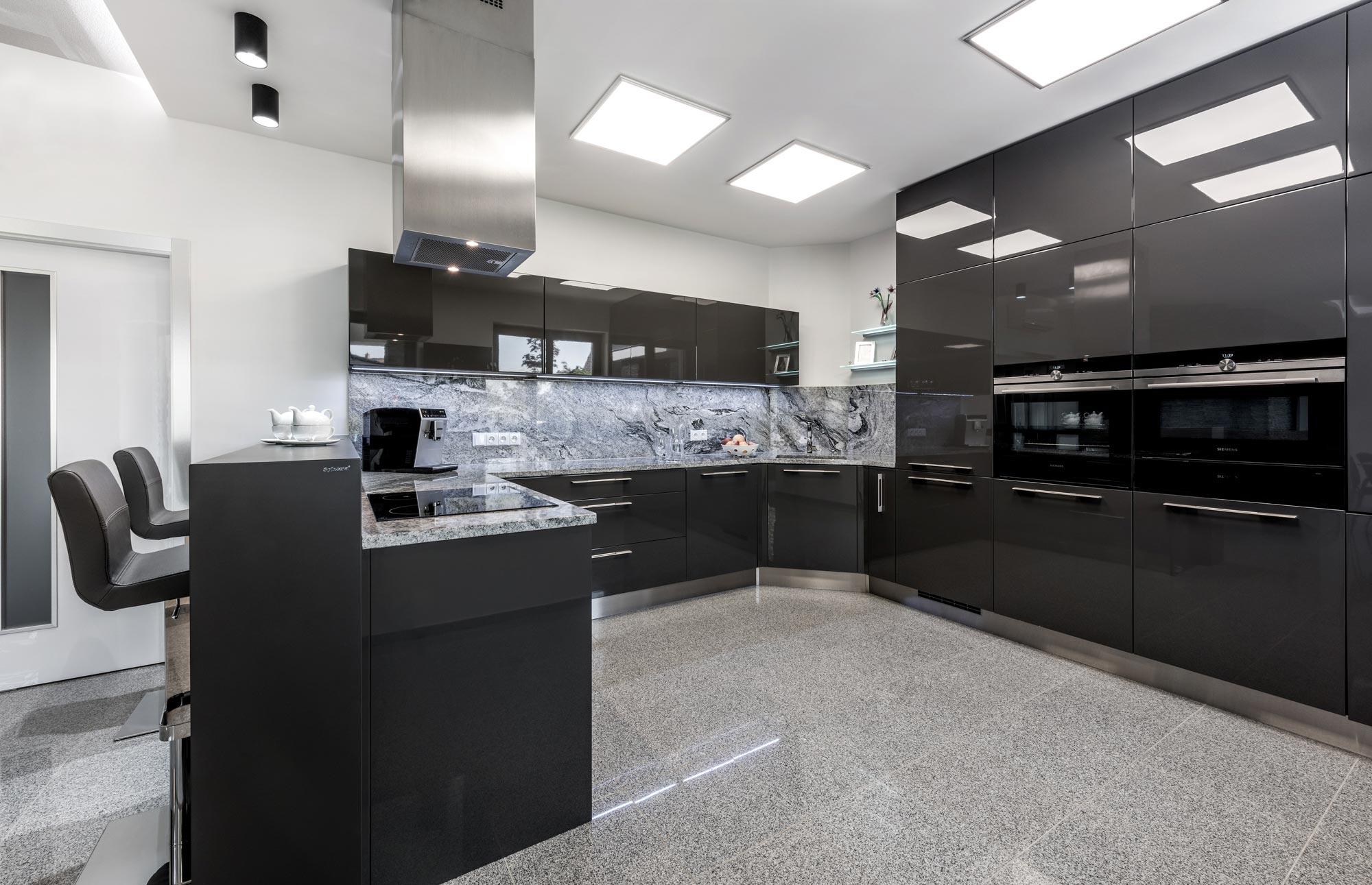 kuchyň antracit